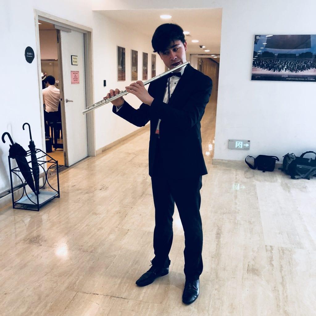 Flautist Sean Marantelli backstage in Shanghai. By Paul Dalgarno.