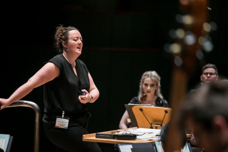 Edwina Dethridge addresses the Orchestra players in Singapore. By Lori Wu.