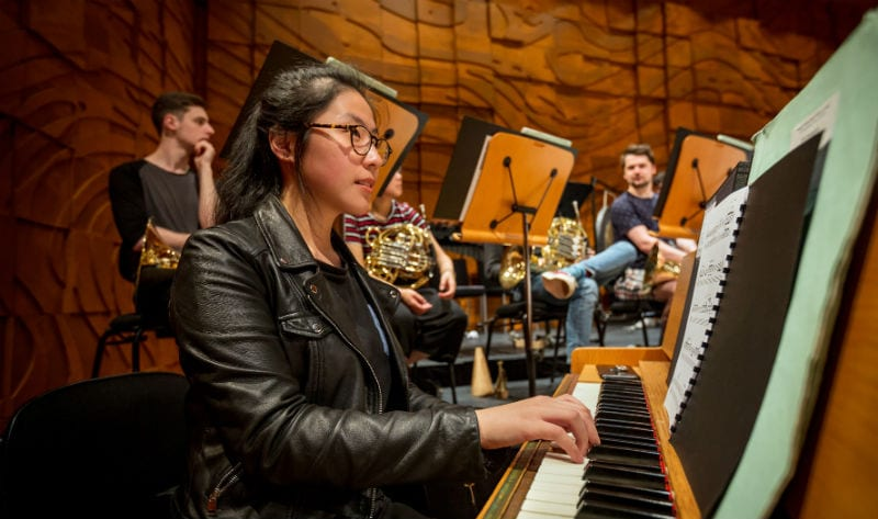 Pianist and celeste player Danna Yun rehearsing at the Melbourne Recital Centre. By Sav Schulman.