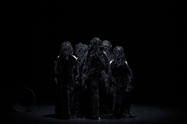 The Howling Girls (Sydney Chamber Opera/Carriageworks, Tokyo Festival). Photo by Zan Wimberley.