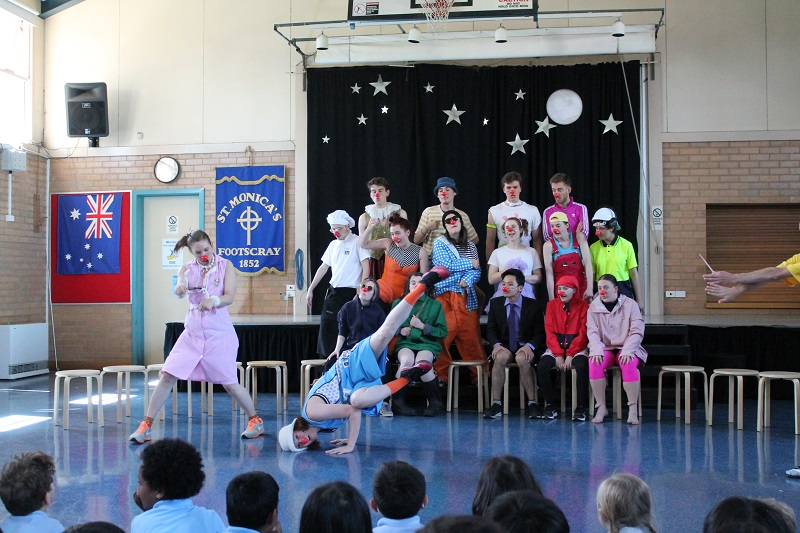 Bachelor of Fine Arts (Theatre) students perform Clown routines for school children. Supplied.